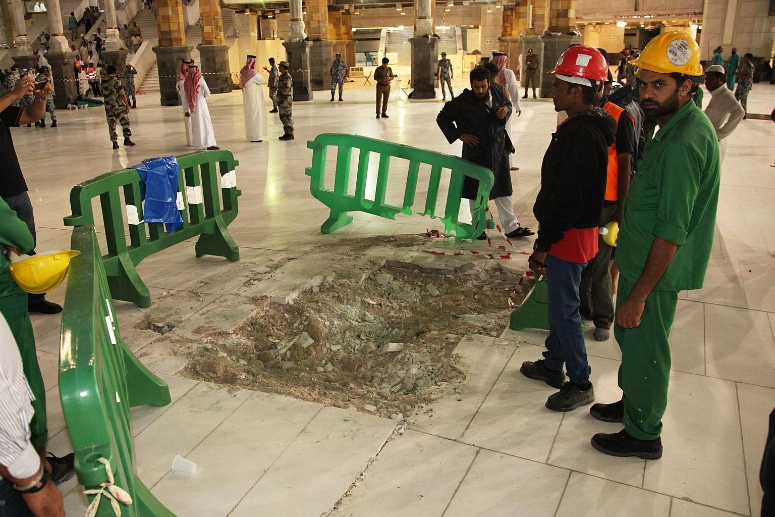 Saudi Arabia probes deadly crane crash in Mecca