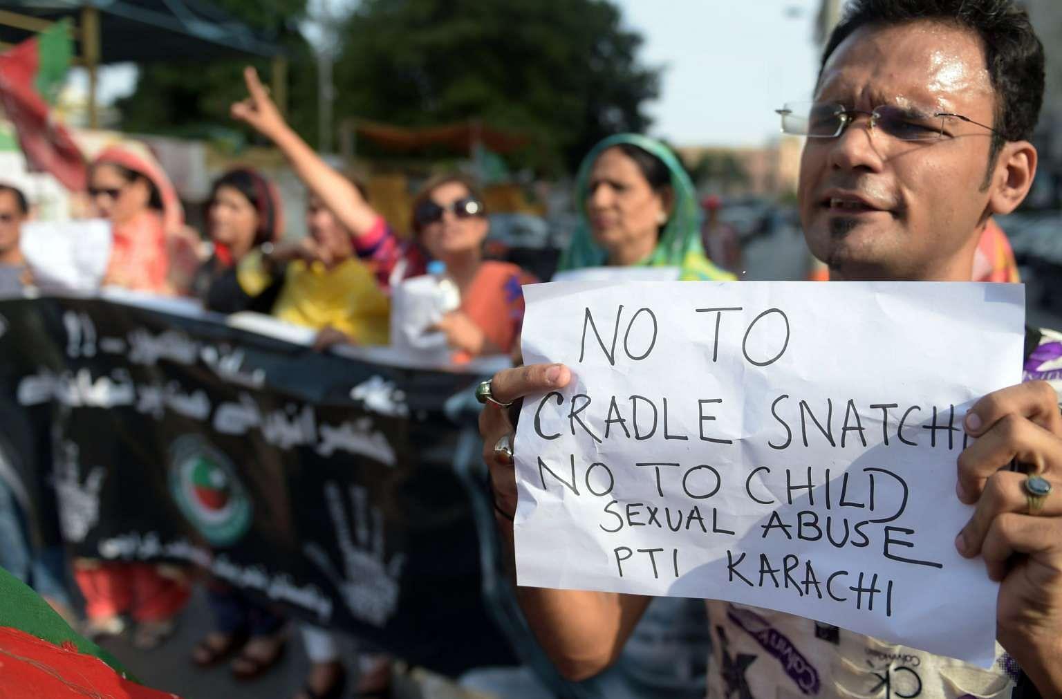 Karachi rap sex scandles