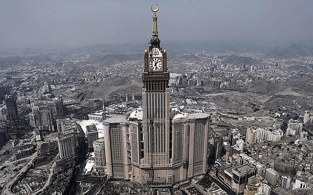 Dw building makkah tower 141103