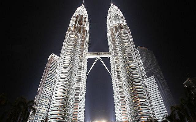 Dw building petronas towers 141103