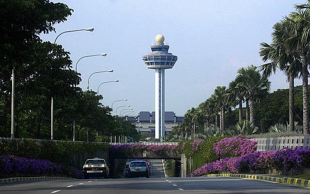 Dw sgheart airport 150525