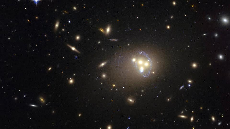 HubbleB2104