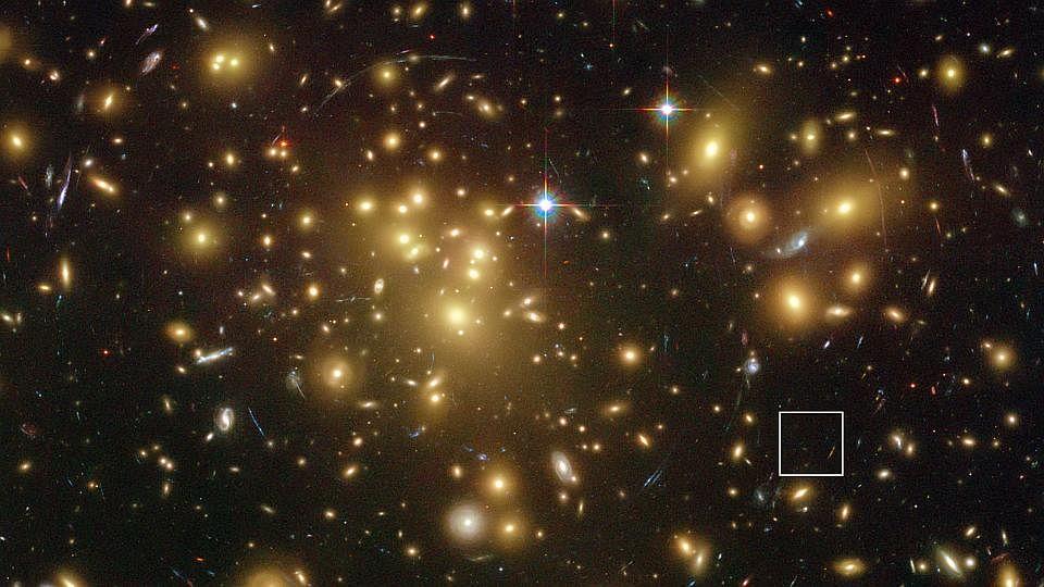 HubbleG2104