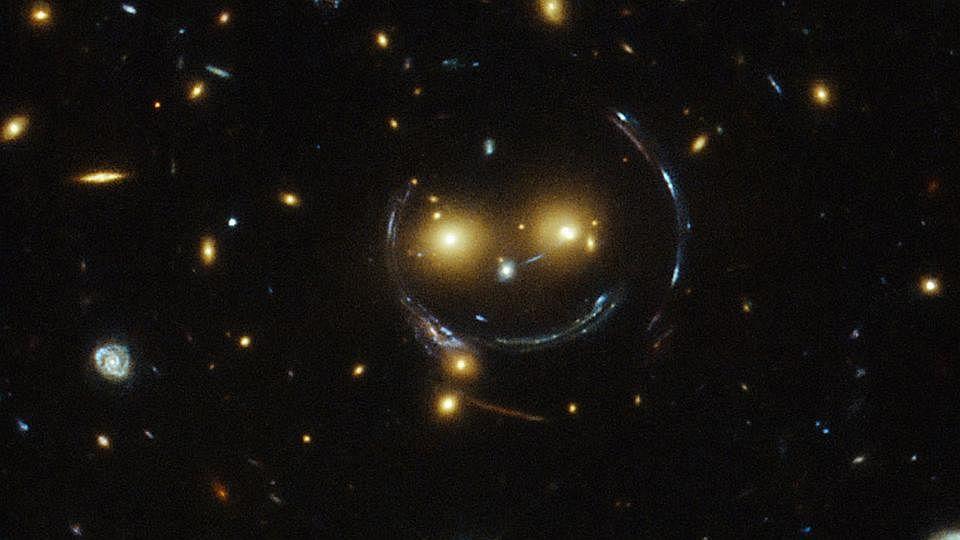 HubbleH2104