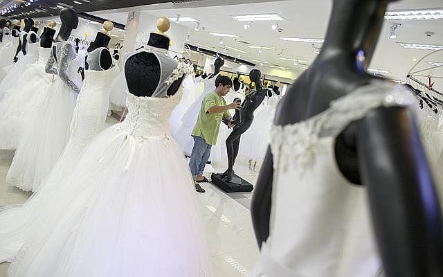 Weddingdresses03