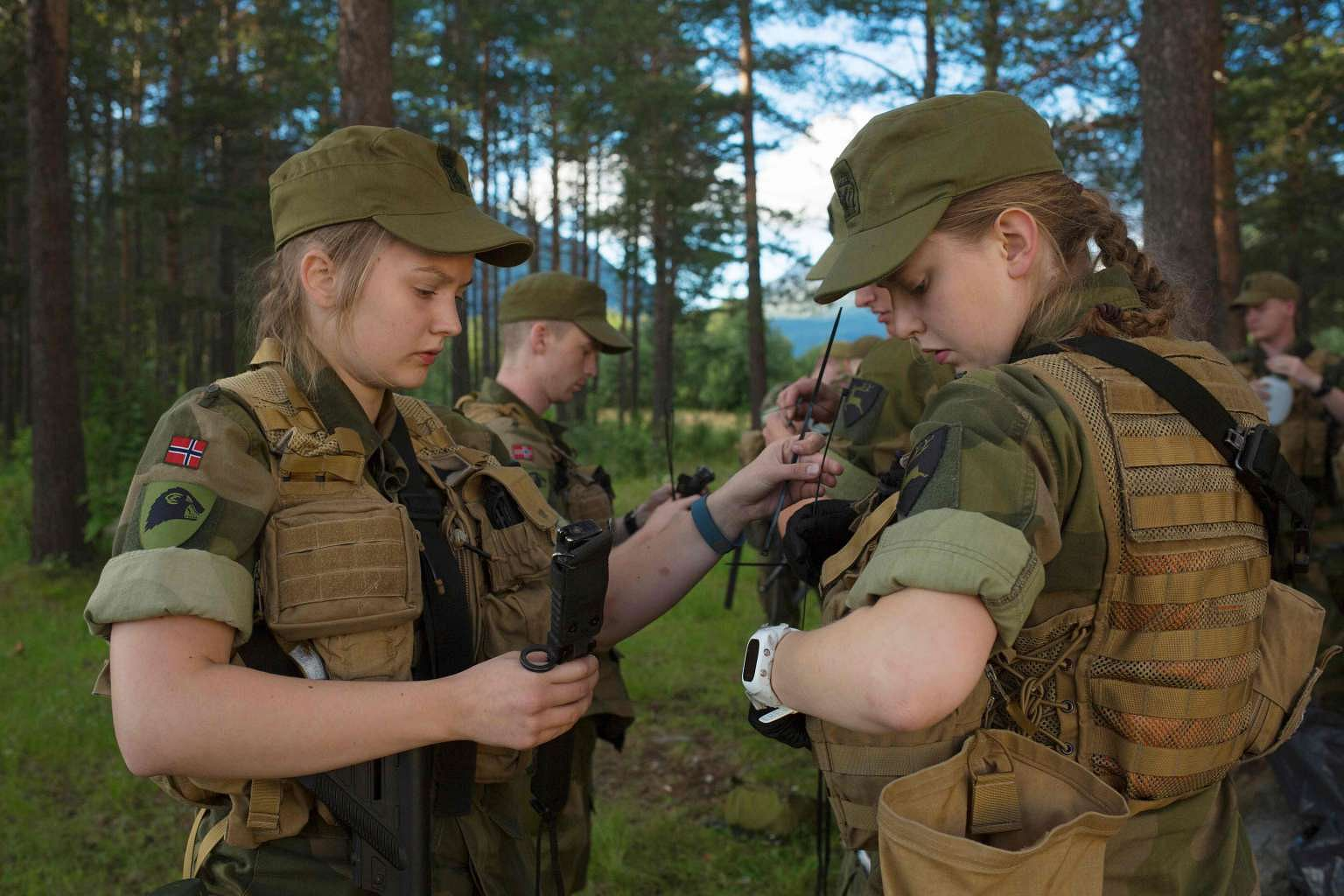 advantages of compulsory military training