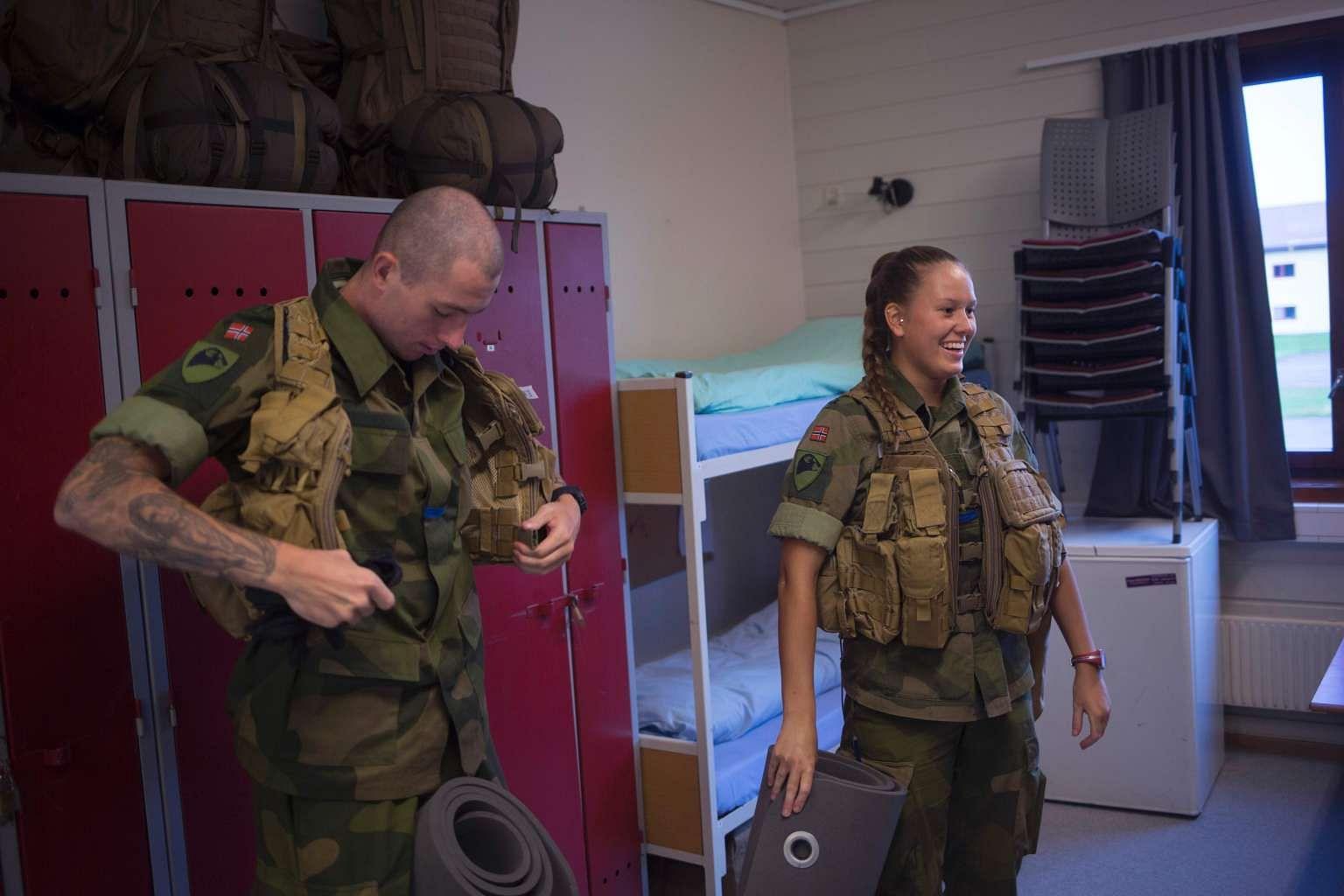 advantages of mandatory military service