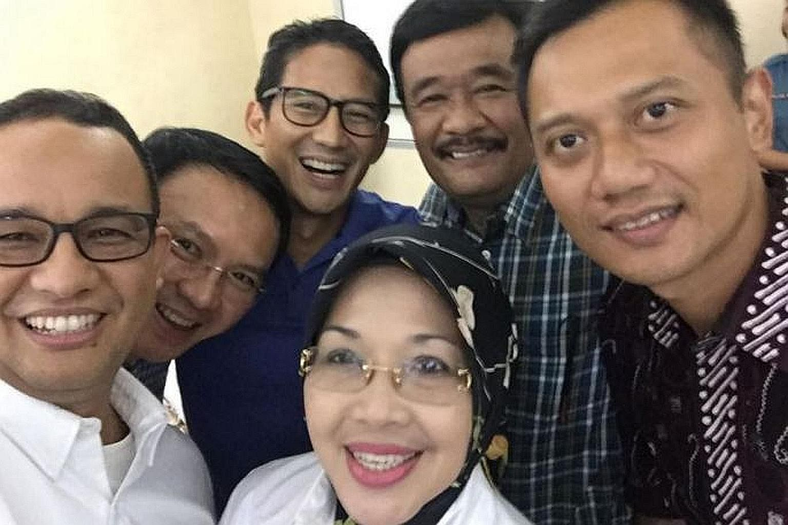 (from left) Dr Anies Baswedan, Mr Basuki Tjahaja Purnama, Mr Sandiaga Uno, Dr Sylviana Murni, Mr Djarot Saiful Hidayat and Mr Agus Harimurti Yudhoyono.