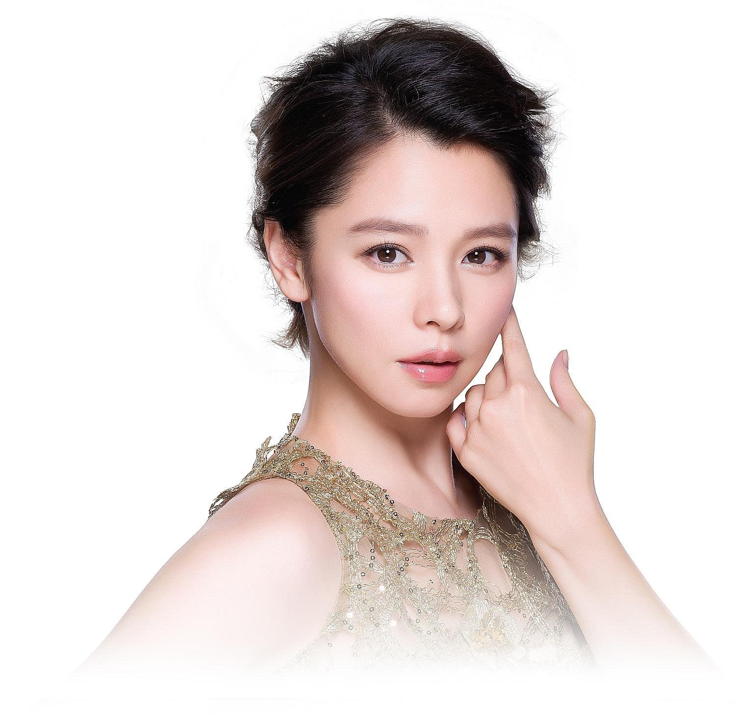 Vivian Hsu Nude Photos 21