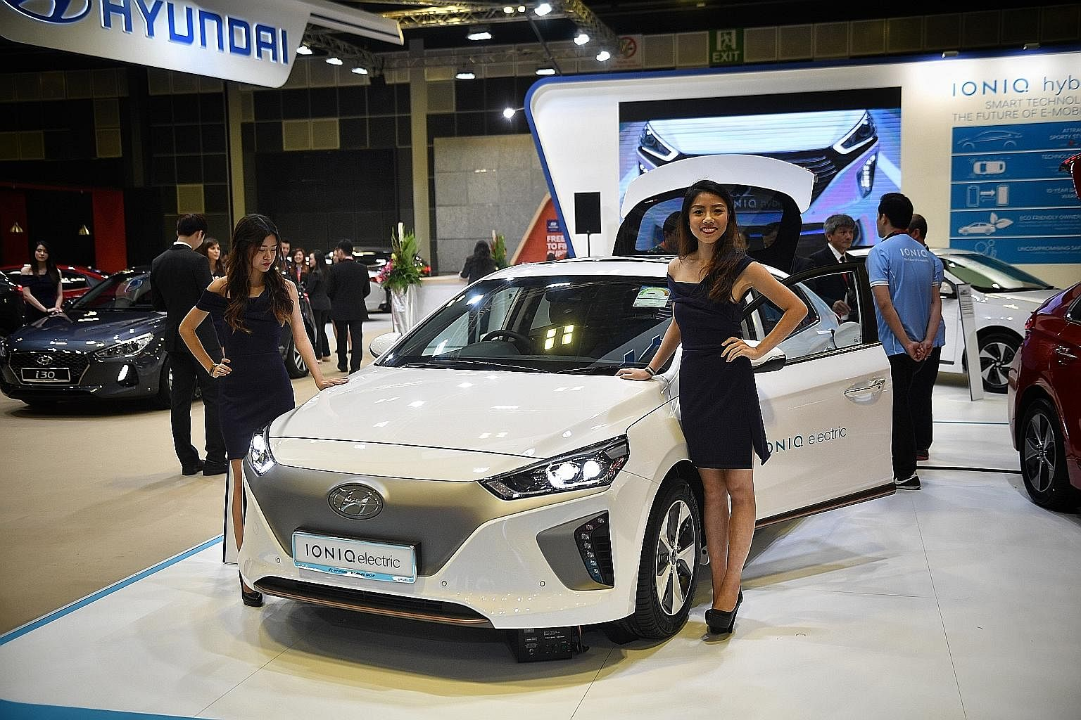 Singapore Motorshow Motor Companies Unveil Record Number Of New - New car auto show