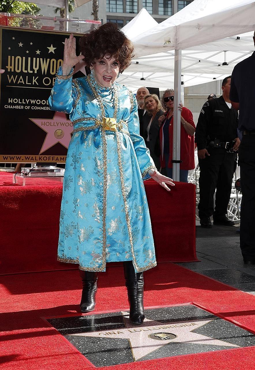 Hollywood Honours Italian Star Gina Lollobrigida 90 Entertainment