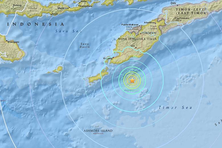 Earthquake of magnitude 6 2 strikes off east Indonesian