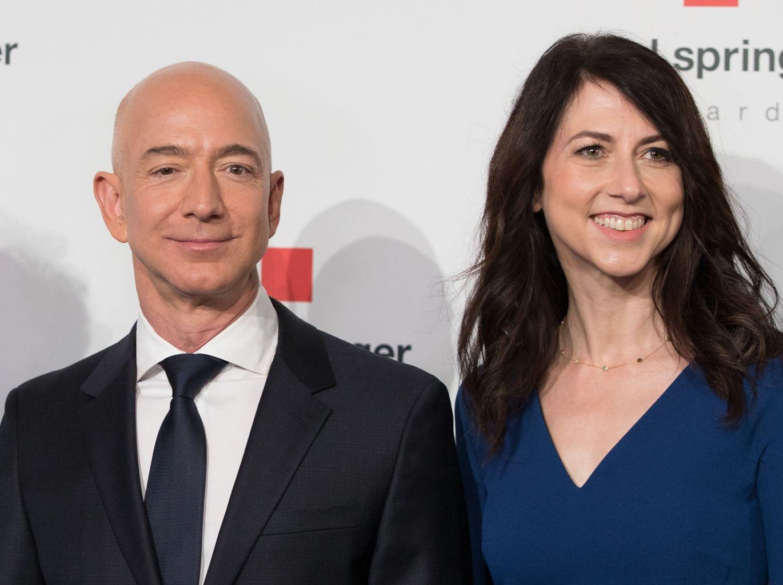 Amazon boss Jeff Bezos still the world's richest man after reaching