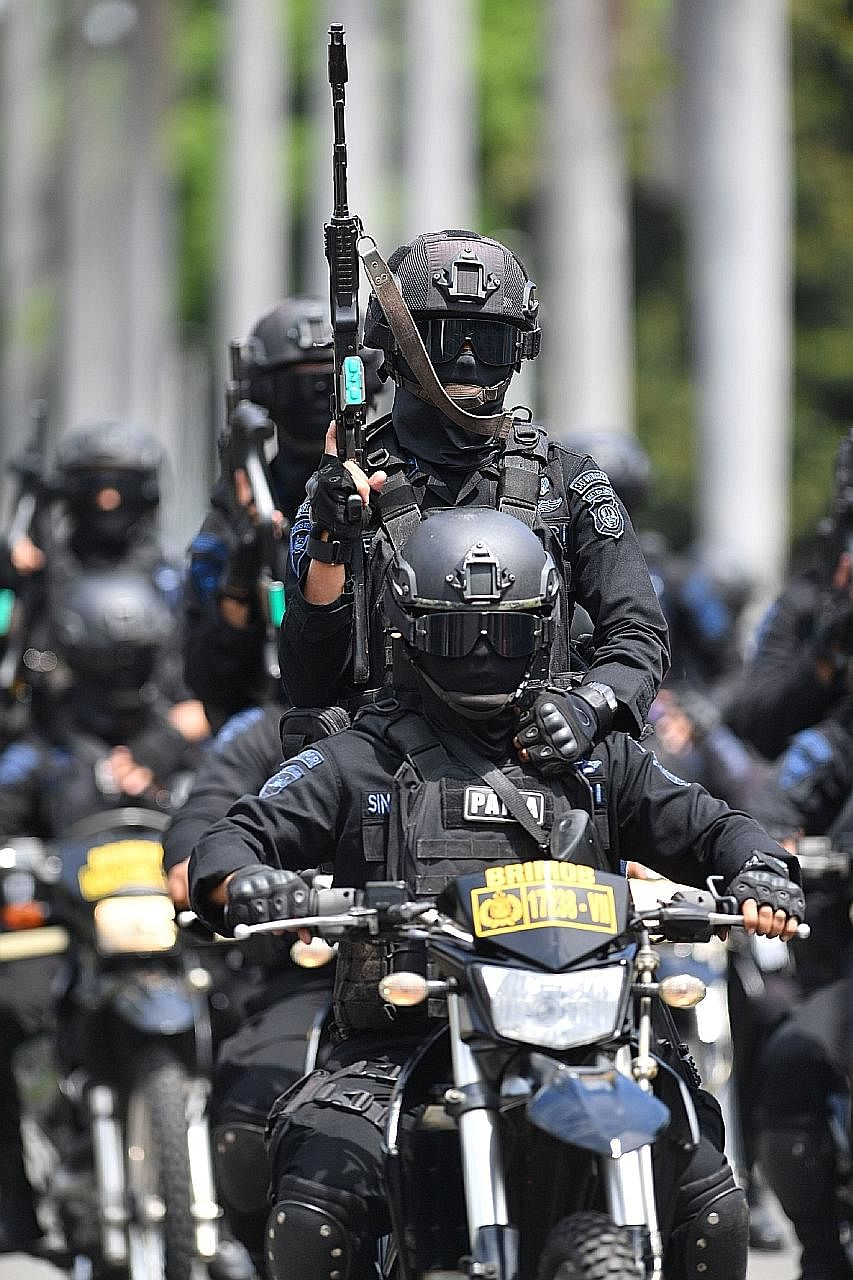 More than 32,000 troops are being deployed to secure Jakarta, Indonesia's capital, following reports of possible terrorist attacks next week. Police and military personnel will set up security cordons around the Bawaslu elections supervisory body in
