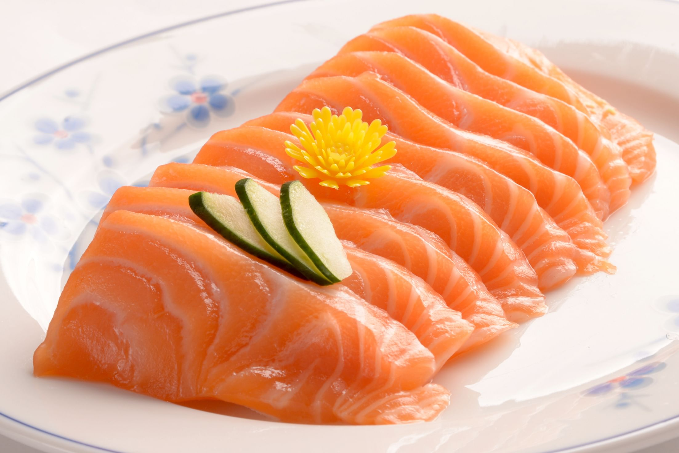 Feeling ill after meals 5 recent cases of food poisoning for Raw fish food poisoning