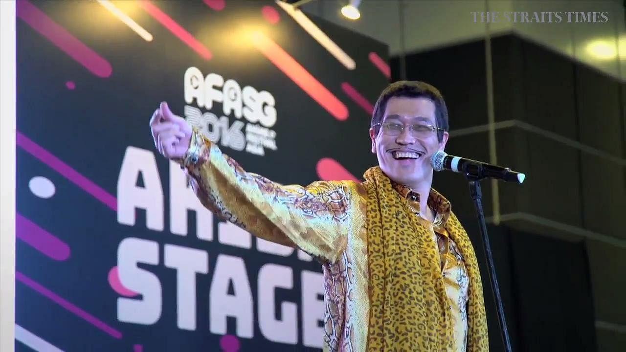 All on the edge entertainment fashion lifestyle art design music - Piko Taro Performs Pen Pineapple Apple Pen Three Times At Anime Festival Asia Entertainment News Top Stories The Straits Times