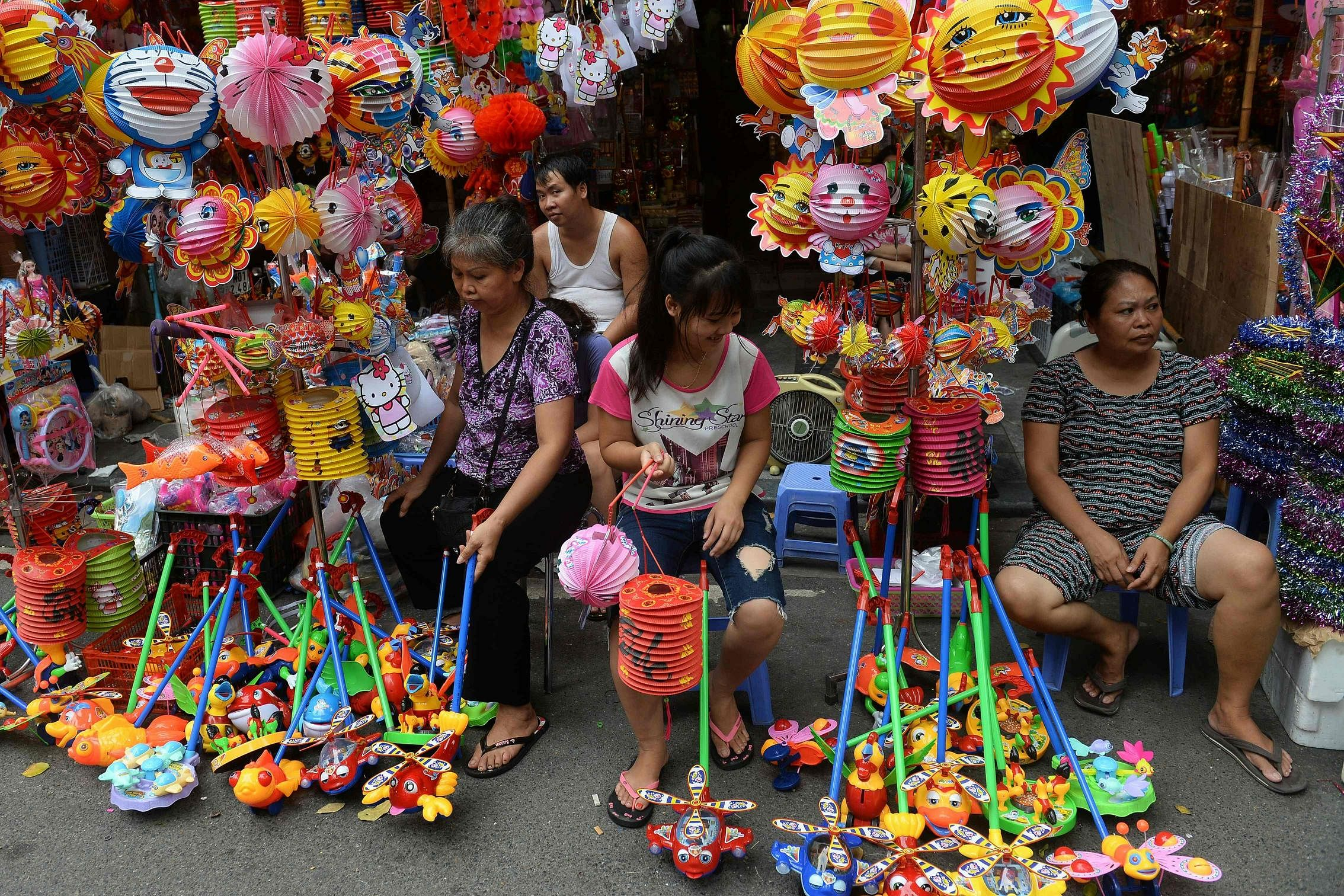 Full moon fun: How Mid-Autumn Festival is celebrated in
